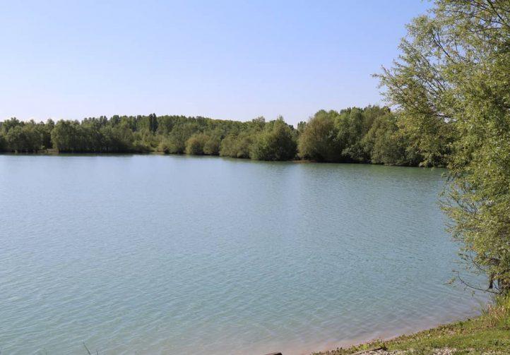 The Farm Lake France Image