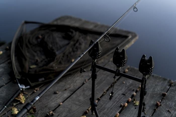 The hinged stiff rig is perfect for fishing over bottom debris in the autumn
