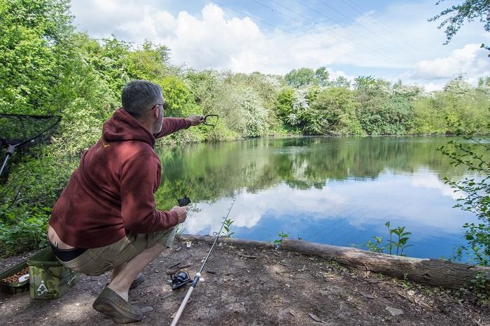 Floater fishing for carp