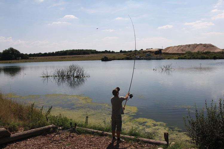 How to Fish Effectively for Carp in Weedy Lakes